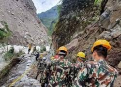 কালাপানি এলাকার কাছে পাহাড়ি পথ নির্মাণ করেছে নেপাল সেনাবাহিনী