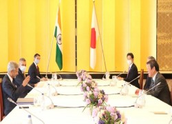 With eye on China, India and Japan discuss strengthening of security ties