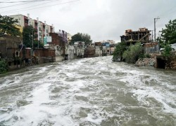 HEAVY RAINS KILL 30 IN SOUTHERN INDIA