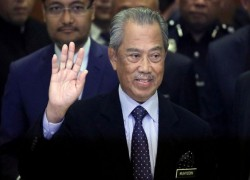 Umno set for showdown talks as Malaysian PM Muhyiddin teeters on the brink