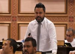 'India seems to be the Maldives' financial advisor'