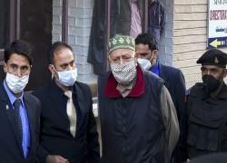 'ভয় পাইনি, লড়াই চলবে': ইডি'র জিজ্ঞাসবাদ থেকে বেরিয়ে কাশ্মীরের সাবেক মুখ্যমন্ত্রী ফারুক আব্দুল্লাহ