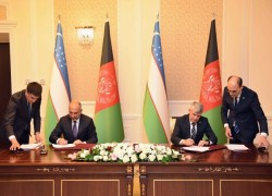 AFGHAN, UZBEK OFFICIALS MEET IN KABUL, SIGN AGREEMENTS