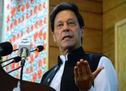 Talks with India only if Kashmir 'siege' is lifted: Pakistan PM