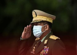 Myanmar army chief accuses govt of 'unacceptable mistakes' ahead of election