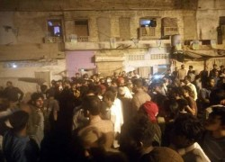 MUSLIMS RESCUE HINDU COMMUNITY FROM ANGRY MOB IN KARACHI