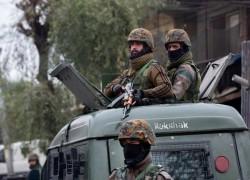 Gun battle in Kashmir kills four Indian soldiers