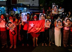 Two Muslim MPs win in Myanmar election