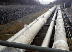 PAKISTAN, RUSSIA SIGN REVISED GAS PIPELINE DEAL