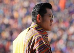 How to behave as a monarch? Ask Bhutan's Thunder Dragon kings