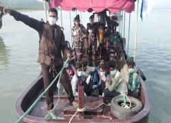 BGB BRINGS BACK 9 BANGLADESHI FISHERMEN FROM MYANMAR
