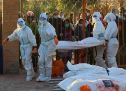 Corpse-carrying female soldiers break taboos to help tackle Nepal's coronavirus crisis
