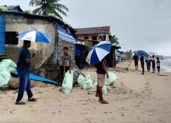 Sri Lanka: Tens of thousands evacuated as Cyclone Burevi nears