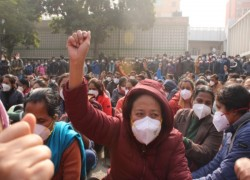 Thousands of nurses at India's premier AIIMS strike amid pandemic