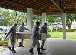 Outrage in Sri Lanka over cremation of Muslim COVID victims
