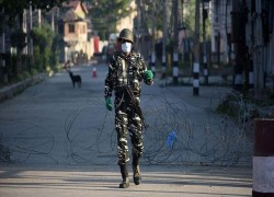 'India building military settlements in Kashmir'