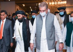 Mullah Baradar: Taliban meets in Pakistan over peace talks