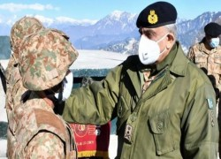 Indian army will always get 'befitting response' to any aggression, says Pakistan Army chief during LoC visit