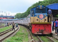 Railways to link India with Bangladesh & Nepal by next year