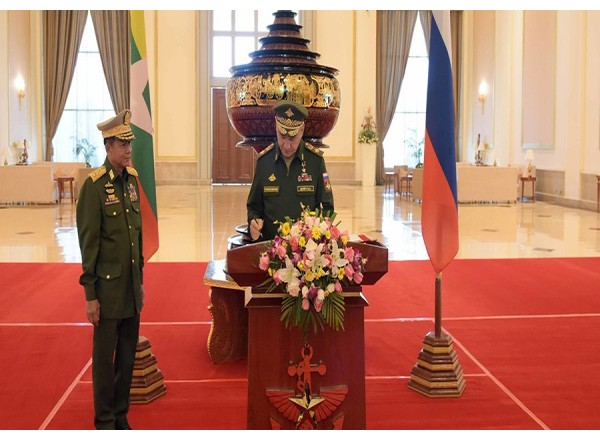 Myanmar military rolls out red carpet for Russian defense minister