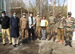 INDIAN, PAKISTANI ARMIES EXCHANGE TWO BOYS WHO CROSSED LOC