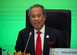 Malaysia PM Muhyiddin's parliamentary majority hangs in the balance as Umno MP withdraws backing