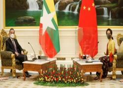 China promises Myanmar 300,000 vaccine doses