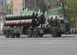 Why is the US saying India could face sanctions for buying S-400 missile systems?