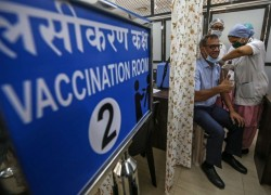 Tears and fears as India's huge coronavirus vaccine push falters