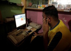 Pakistan to 'review' controversial internet censorship rules