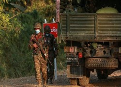 মিয়ানমারের সামরিক বাহিনী আসলে একটি রাজনৈতিক প্রতিষ্ঠান