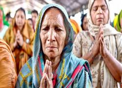 রিহানাদের বিরুদ্ধে টুইট-প্রতিযোগিতায় অবতীর্ণ 'ঐক্যবদ্ধ ভারত'