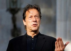 We would give Kashmiris 'right to independence': Pakistan PM