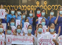 Thousands join peaceful protests against Myanmar military