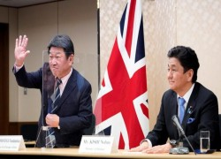 Japan draws closer to Britain, united by trade and China fears