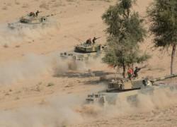 Pakistan Army troops practice survival drills in Thar Desert