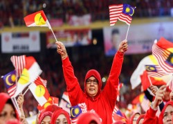 Malaysia's UMNO bets on itself before election clash with Muhyiddin