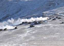 CHINESE TROOPS START CLEARING FROM FINGER 4 HEIGHTS AT PANGONG TSO