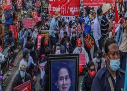 Despite Pressure, Myanmar Govt Employees Refuse to Work Under Military Rule