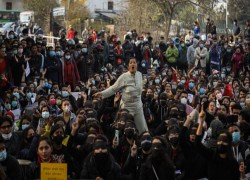 Nepalis protest 'ridiculous' proposed ban on women travelling abroad