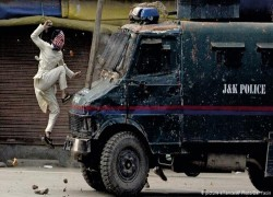 What is the EU's stand on the Kashmir conflict?