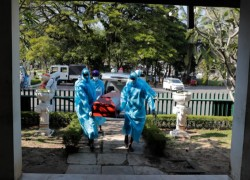 Sri Lanka finally lifts ban on burial of COVID victims