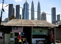 Malaysia to renew push for high-income goal by 2030 despite COVID