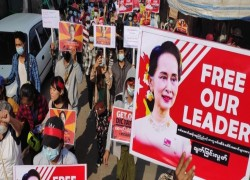 Myanmar Military sues Suu Kyi and President with further charges
