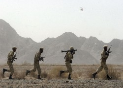 Iran revolutionary guards attacked on restive Pakistan border
