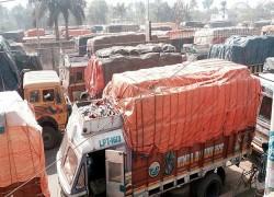 বাংলাদেশে প্রবেশের অপেক্ষায় ভারতে আটকে আছে ৫৫০০ পণ্যবাহী ট্রাক