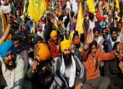 INDIA'S FARMER UNIONS CALL FOR COMPLETE 'BHARAT BANDH' ON 26 MARCH