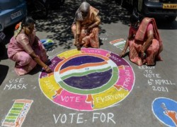 A sari or cash? As Indian elections near, voter inducements flow