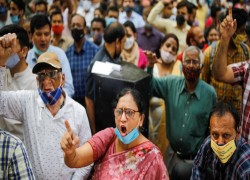 One million Indian bank workers strike against privatization