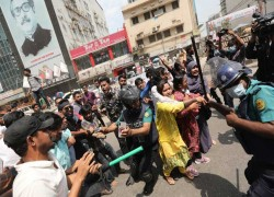 Over 20 injured as police, protesters clash over Modi's visit